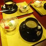 鉄板焼 黒田屋 - イチゴとアイスのデザートとコーヒー