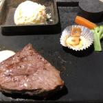 ステーキDESSE - 料理写真: