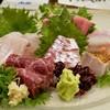 魚楽唐唐 - 料理写真:お造り盛り合わせ(金目鯛、石鯛、ひっさげ、平目、鯨尾の身)鯛)