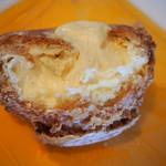 コンフィチュール アッシュ - 湯の山シュー(バニラビーンズが入った濃厚なカスタードクリーム)