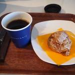 コンフィチュール アッシュ - 料理写真:温泉コーヒー & 湯の山シュー
