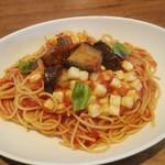 ジョリーパスタ - 日替わりパスタナスとモッツァレラチーズのトマトソース大盛り