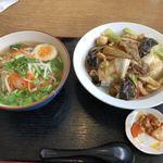 弘祥 - 料理写真:塩ラーメン+中華丼700円税込み