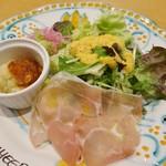 生ハム食べ放題500円 Pizzeria uanci_e_cheer - 前菜盛り合わせ