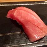 喜代寿司 -  鮪のとろ そこまで脂はなくとろけないが、シンプルなとろ