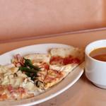 マリノ - 焼きたてピッツァとスープおかわり