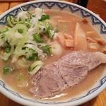 とんぴととりの光龍益 - ラーメン(塩煮豚)800円