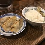 中国ラーメン揚州商人 - 半餃子ライスセット