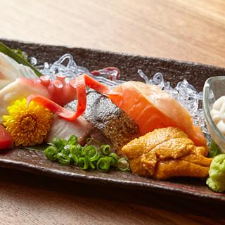 新潟県直送「特選おさしみ5点盛」は必食!旨い酒のお供にぜひ◎
