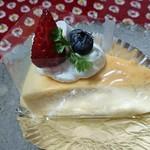 ケーキショップファボリ - ベイクドスフレチーズ ¥280(税別)