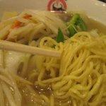 茨珍麺飯食堂 - 腰のある麺