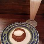 カフェ香咲 - 焼きりんご(700円)、キャンブリック(710円)