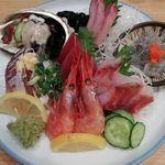 Sutandofuji - 名物の魚盛りは980円ということでコスパも良し!!!