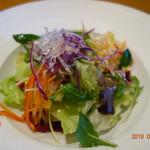 イル・ウエスギ  - セットのサラダ(私)