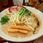 麺作 赤シャモジ - 料理写真:基本の濃熟らーめん(味噌)