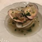 104232936 - リストランテオガワ 函館産白貝のスパゲッティーインブロード生姜風味 ジンジャーパワーが効いてます