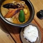 ジーカフェ - 土鍋スープカレーチキン(大大辛)+舞茸 1550円