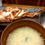 炭火焼干物定食 しんぱち食堂 - あこう鯛の粕漬け定食