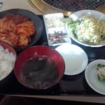 すみ屋 - ミックスホルモン定食(950円)