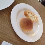 カフェアンドダイニング かもめのジョナサン - Aランチのパンです。