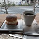 ファクトリー&ラボ 神乃珈琲 - セシリアとコーヒー