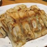 餃子王 - 焼き餃子(2皿目)。      2019.03.19