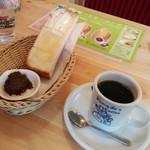 コメダ珈琲店 - コーヒーの後、トースト出て来るまでに7分位。