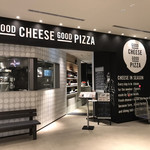 GOOD CHEESE GOOD PIZZA - クールな外観