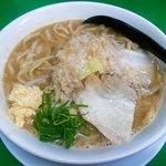 ラーメン つけ麺 熱く勢ろ - 料理写真:ラーメン並ニンニクアブラマシ野菜少な目@750