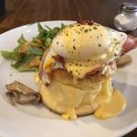 トップシークレットカフェ - モーニングのエッグベネディクト パンケーキ ドリンク+500円