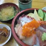 10429692 - 海鮮丼ランチ:790円