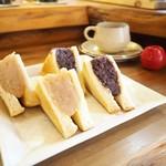 志なcafe - 料理写真:あんこのトーストサンド白と黒