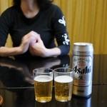 玉翠楼 - 缶ビールは自動販売機で