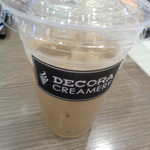 デコラクリーマリー - アイスのカフェラテでございます