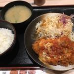 松のや - チーズトマト厚切りロースかつ定食(税込780円)