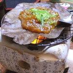 濁河温泉 朝日荘 - 朴葉味噌は、山村における朝食の定番ですね