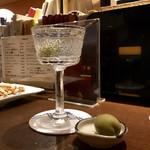 104313676 - Martini
