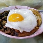 玉蘭 - ミニ肉魯飯 300円(但し、他のメイン料理を注文した場合。麺類、定食、チャーハン類、定食の単品)