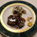 ヴェルデ辻甚 - メインのお肉。赤ワインソース。
