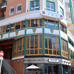 CAFE GITANE - お洒落なビルの1F