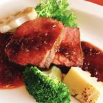 ホテルオークラレストラン新宿 ワイン&ダイニング デューク - 牛サーロインのグリル