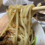 104327315 - 混ぜる前の麺