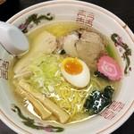 橙ヤ - 料理写真:旭川中華そば塩 750円