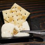 104332618 - チーズ豆腐(お通し)