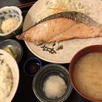 柳ばし - 生鮭塩ふり焼き定食 + 南蛮みそ(10円)