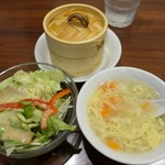 菜彩厨房 - (2019/2月)日替わりランチ定食の点心とサラダとスープ