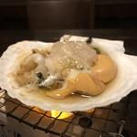 青森県産活ホタテの貝焼き