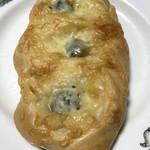ル・パン・ド・カトウ - オリーブ&ミックスチーズ フランス@200円