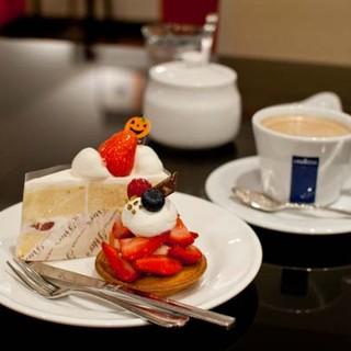 ケーキブティック ピータース - 料理写真:ケーキブティックピータース ショートケーキ