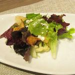神戸牛炉窯焼ステーキ 雪月風花 北野坂 - 兵庫県の野菜サラダ